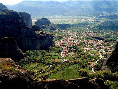 Кастраки - деревня у подножия Метеорских скал