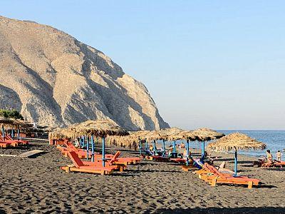 Черный пляж в Санторини