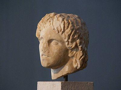 Мраморный бюст Александра Великого