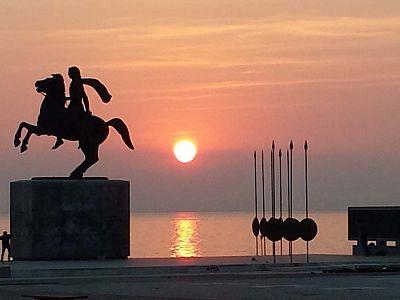 Александр Македонский верхом на Буцефале. Набережная Салоник