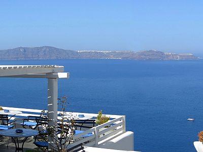 Фира. Вид с балкона кафе