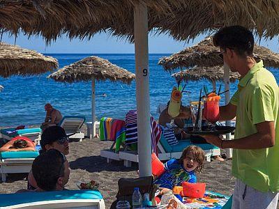 Внимательный персонал пляжей