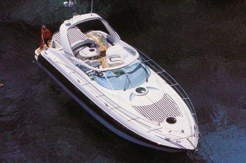 Моторная яхта